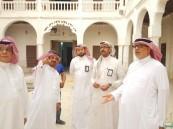 """""""السماعيل"""" يقف على مشاريع ترميم """"المواقع التاريخية"""" في الأحساء"""