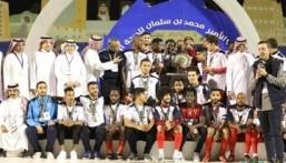 رئيس اتحاد القدم يتوج نادي أبها بدرع دوري الأمير محمد بن سلمان لأندية الدرجة الأولى