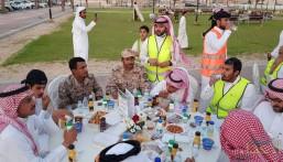 """تحت شعار""""كلنا واحد"""" .. أهالي مدينة العيون يقيمون سفرة إفطار صائم لجنودنا وشهداء الوطن"""