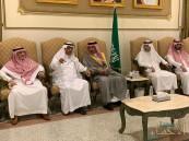 """الأمير """"عبدالعزيز بن محمد"""" يُعزي عميد أسرة """"الملحم"""""""