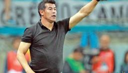 """""""الشباب"""" يعلن التعاقد مع المدرب الأرجنتيني خورخي ألميرون"""