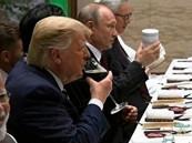 شاهد: هل يخشى التسمم؟.. بوتين يلفت الانتباه بعد ظهوره بكوب خاص خلال عشاء قمة العشرين
