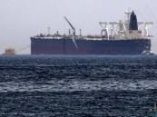 """حالة تأهب بعد اكتشاف """"قارب مفخخ"""" إيراني بطريق مدمرة بريطانية"""