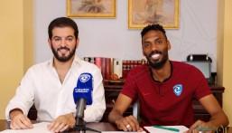 """محمد جحفلي يوقع عقده الرسمي مع """"الهلال"""" حتى عام 2023.."""