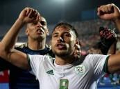 الأهلي يتعاقد رسميًا مع الجزائري يوسف البلايلي