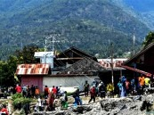 قتلى جراء زلزال قوي يضرب إندونيسيا