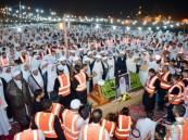 بالصور .. الآلاف يشيعون جثمان الشيخ حسن بوخمسين