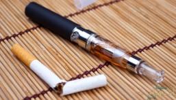 """""""الإمارات"""" تفرض ضرائب على """"السجائر الإلكترونية"""" و""""العصائر المحلاة"""" !"""