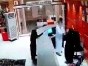 """""""النيابة """" تفتح تحقيقًا في واقعة الاعتداء على موظفة استقبال أحد الفنادق"""