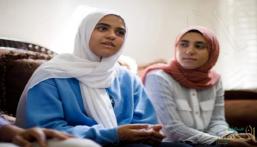 الخطوط الكندية تجبر فتاة مسلمة على خلع حجابها أمام الركاب!