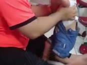 شرطة الرياض توضح تفاصيل القبض على مُعذب طفلته.. وتكشف عن جنسيته