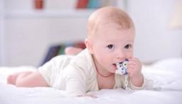 ارتفاع درجة الحرارة… أهم علامات تسنين الطفل