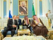 """صحفي روسي يكشف عن الأطباق التي تضمنتها مأدبة غداء الملك سلمان لـ""""بوتين"""""""