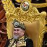 ملكة جمال موسكو تطالب ملك ماليزيا السابق بتعويض طلاق فلكي !!