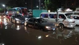 "مصر .. ""الأمطار"" تؤخر رحلات طيران و تُغلق مدارس وجامعات بـ""3″ محافظات"