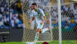 نجم المنتخب السعودي الشاب يدخل التاريخ أمام سنغافورة