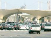 """""""جسر الملك فهد"""": أجهزة حديثة لفحص السيارات الصغيرة بالأشعة وتوقيف 10 مركبات مطلوبة أمنياً يومياً"""