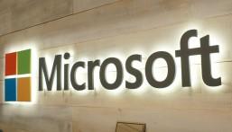 """تصحيح 99 نقطة ضعف تهدد مستخدمي """"مايكروسوفت"""""""