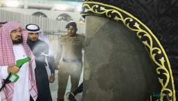 """بالصور.. """"السديس"""" يشارك في أعمال التطهير والتعقيم الاحترازية بالمسجد الحرام"""