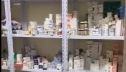 شاهد بالفيديو .. مداهمة 4 مستودعات تُستخدم لتعبئة معقمات و حليب أطفال وأدوية منتهية الصلاحية