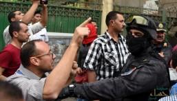 في واقعة غريبة.. دفن سيدة مصرية بقوة الشرطة لتجمهر الأهالي بسبب إصابتها بكورونا