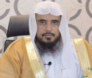 """بالفيديو … """"الخثلان"""" يوضح حكم التخلف عن صلاة الجماعة بسبب الدراسة عن بُعد"""
