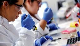 """""""الصحة العالمية"""": عدد إصابات قياسي جديد بكورونا في العالم لليوم الثالث"""