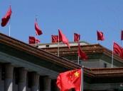 """لمكافحة كورونا.. """"أساور"""" تقرأ حرارة التلاميذ عبر تطبيق ذكي في الصين"""