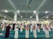"""مصادر الأحساء نيوز: """"إدارة المساجد"""" تباشر تعقيم 15 مسجدًا احترازيًا بالأحساء .. وهذه مدة الإغلاق"""