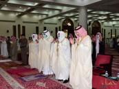بالصور.. سمو محافظ الأحساء يؤدي صلاة عيد الأضحى مع جموع المصلين