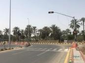 """تضع حدًا للتزاحم والحوادث المرورية… اليوم بدء تشغيل إشارة """"جسر بني معن"""" (صور)"""