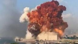 بالفيديو: الأمل ما زال موجودًا.. انتشال امرأة حيّة بعد 3 أيّام من الانفجار..