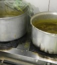 بالصور.. إتلاف 3.6 أطنان من المواد الغذائية الفاسدة في نطاق المبرز والعمران