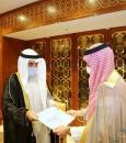 خادم الحرمين الشريفين يتلقى رسالة خطية من أمير الكويت