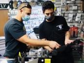 بالفيديو .. طوابير أمام متجر لبيع الأسلحة قبيل الانتخابات الرئاسية الأمريكية