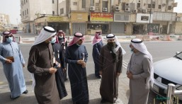 """أمانة الاحساء تعالج وتُزيل 512 مخالفة """"تشويه بصري"""" بوسط الهفوف التاريخي"""