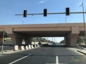 بالصور… مواطنون يطالبون بفتح إشارات مرور أطول جسر بالأحساء