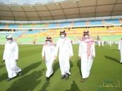 """قبل إعلان جاهزيته رسميًا.. """"وزير الرياضة"""" يتابع سير الأعمال بملعب الأمير عبدالله الفيصل (صور)"""