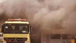 بالصور … مدني الدمام يخمد حريقًا اندلع في عدد من ورش صيانة المركبات
