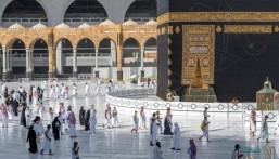 """""""الحج والعمرة"""" تُعلن: عمرة واحدة فقط في رمضان للمحصنين من """"كورونا"""""""