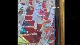 """فاضت روحه أثناء صلاة الجمعة … مقطع مؤثر لوفاة العم """"أبو إبراهيم"""" في الأحساء"""