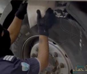 إحباط تهريب 2.3 مليون حبة كبتاجون عبر ميناء جدة.. وضبط المستقبلين (فيديو)