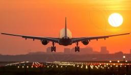 """ثلثا المقاعد المحجوزة تحت الإلغاء.. """"صيف قاسٍ"""" يهدّد شركات الطيران!"""