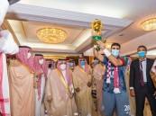 """سمو أمير الرياض يتويج فريق """"الفيصلي"""" بطلاً لـ """"كأس خادم الحرمين الشريفين"""""""