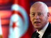رئيس تونس يعفي رئيس الوزراء عن منصه ويجمد سلطات النواب
