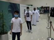 """""""طلاب الأحساء"""" يواصلون التوافد للحصول على لقاح كورونا (صور)"""