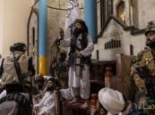 """بعد استيلائهم على أسلحة ومعدات تُقدَّر بـ80 مليار دولار .. هكذا بدا """"مقاتلو طالبان"""" بزي """"الكوماندوز الأمريكي"""""""