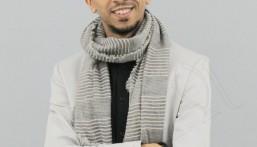 الزميل أمين الحباره .. أول رسام كاريكاتير سعودي ينال الجائزة الشرفية بمهرجان بورتو الدولي