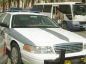 ضبط فتاة تقود سيارة برفقة شابين في شرائع مكة