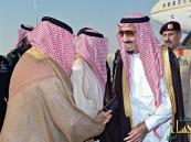 بالصور: الملك و ولي عهده يصلان الرياض قادمين من جده